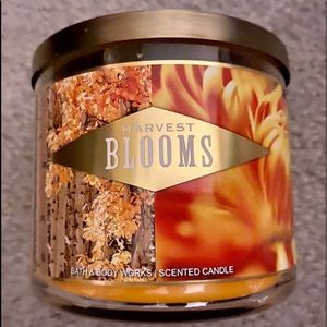 🍁HARVEST BLOOMS🍁 BATH & BODY WORKS 3 WICK CANDLE